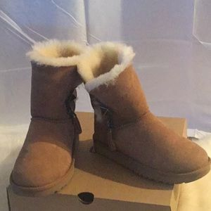 New Woman's UGG boots
